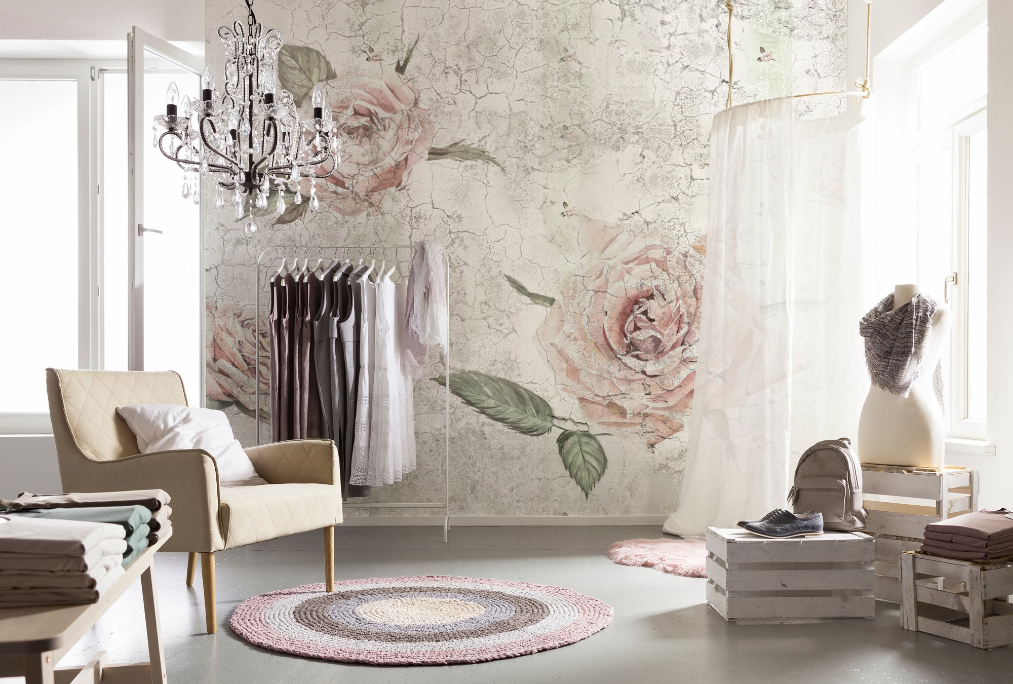 Розы на фресках