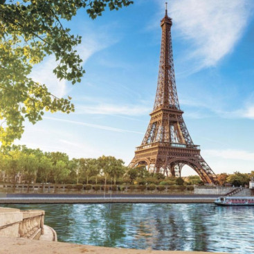 Набережная в Париже